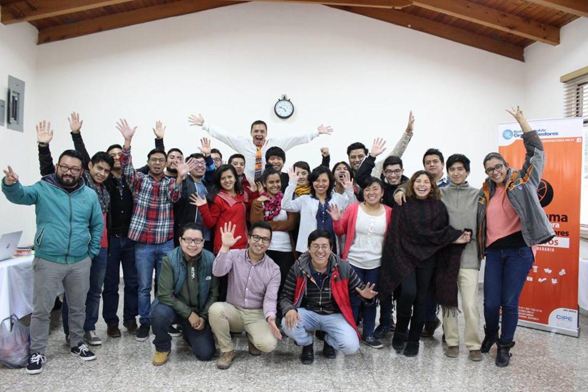 Más de 700 jóvenes beneficiados con Xelajú Naranja