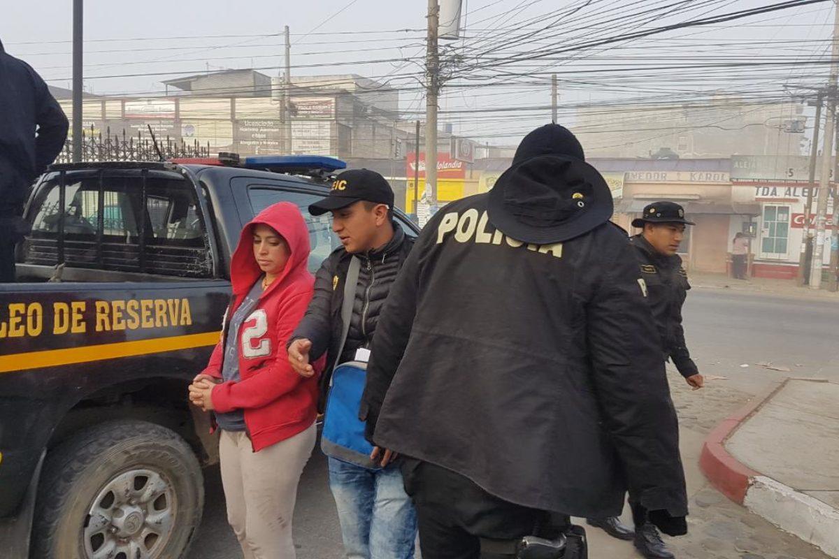 Supuestos estafadores son detenidos en allanamiento