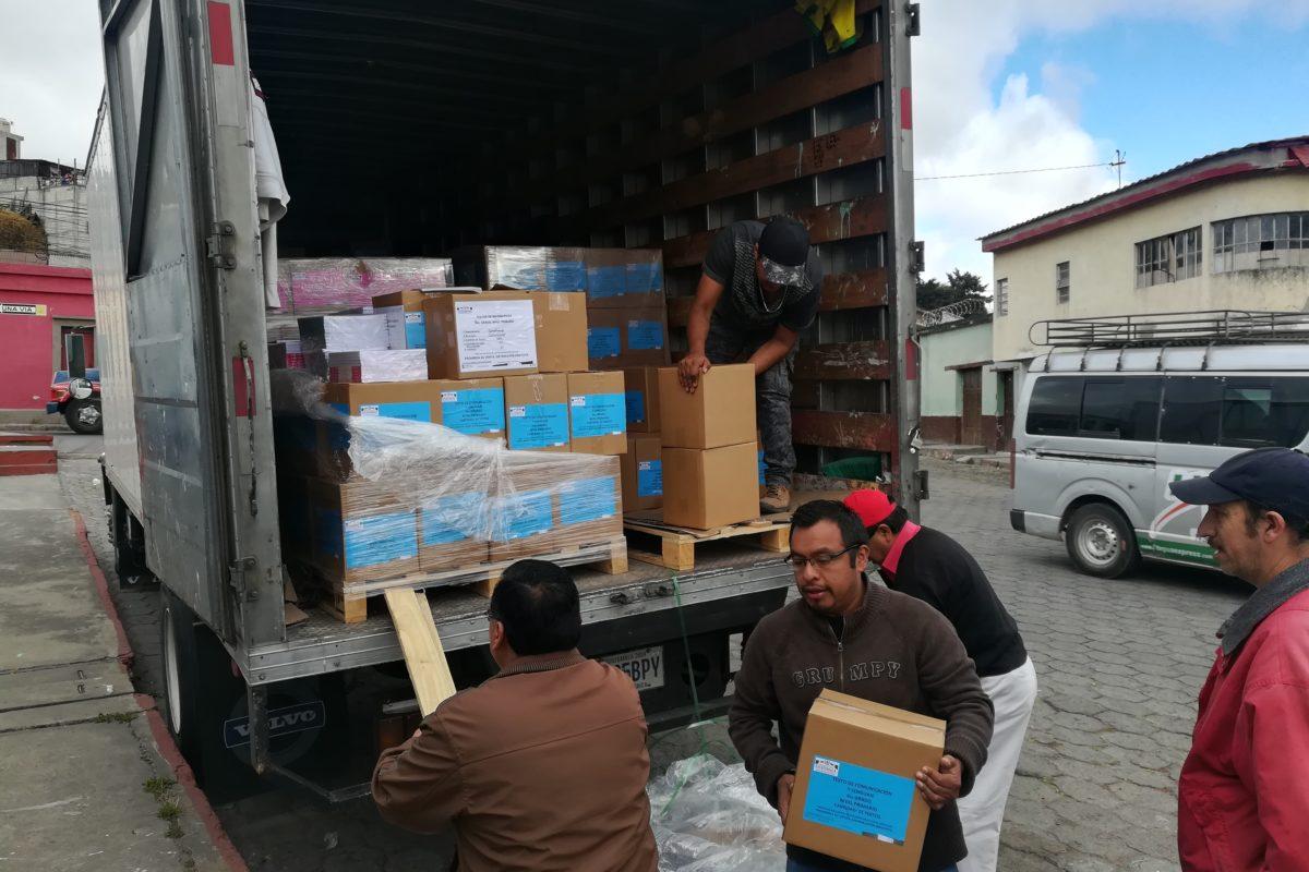 Trasladan libros de texto a Quetzaltenango