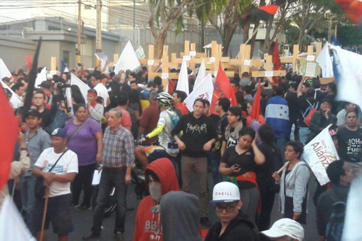 Continúa crisis política en Honduras
