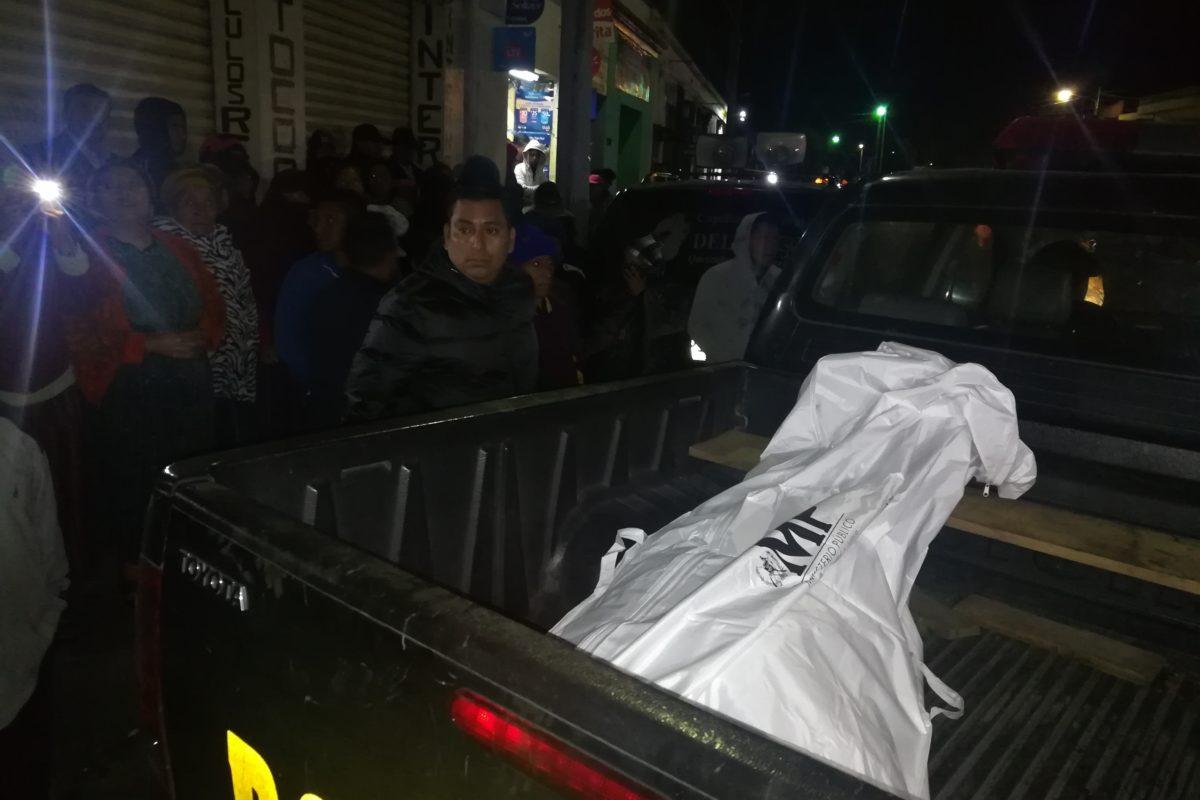 Cadáver estaba envuelto en colchas y amarrado