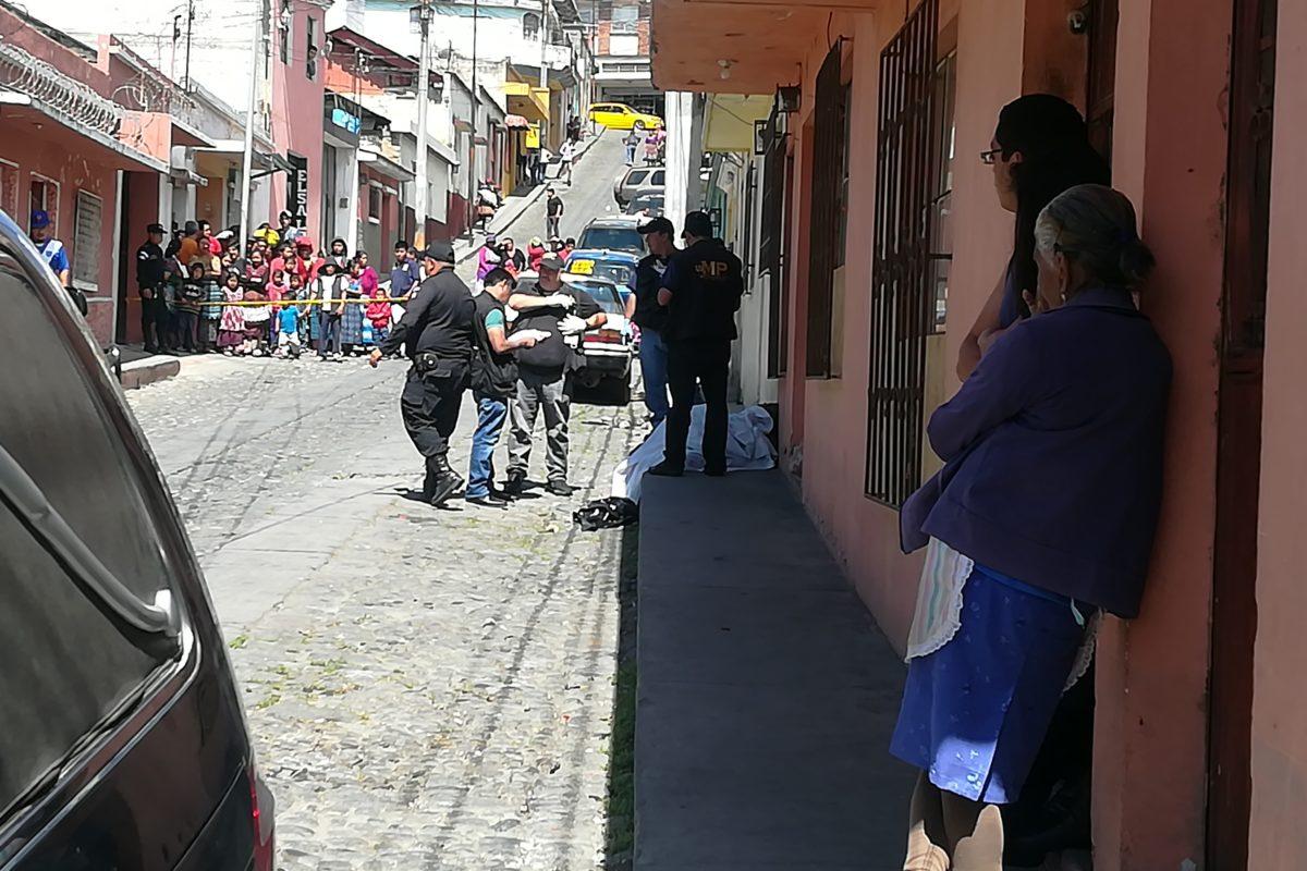 "<span class=""hot"">Tendencia <i class=""fa fa-bolt""></i></span> Localizan cadáver de mujer en la zona 1"