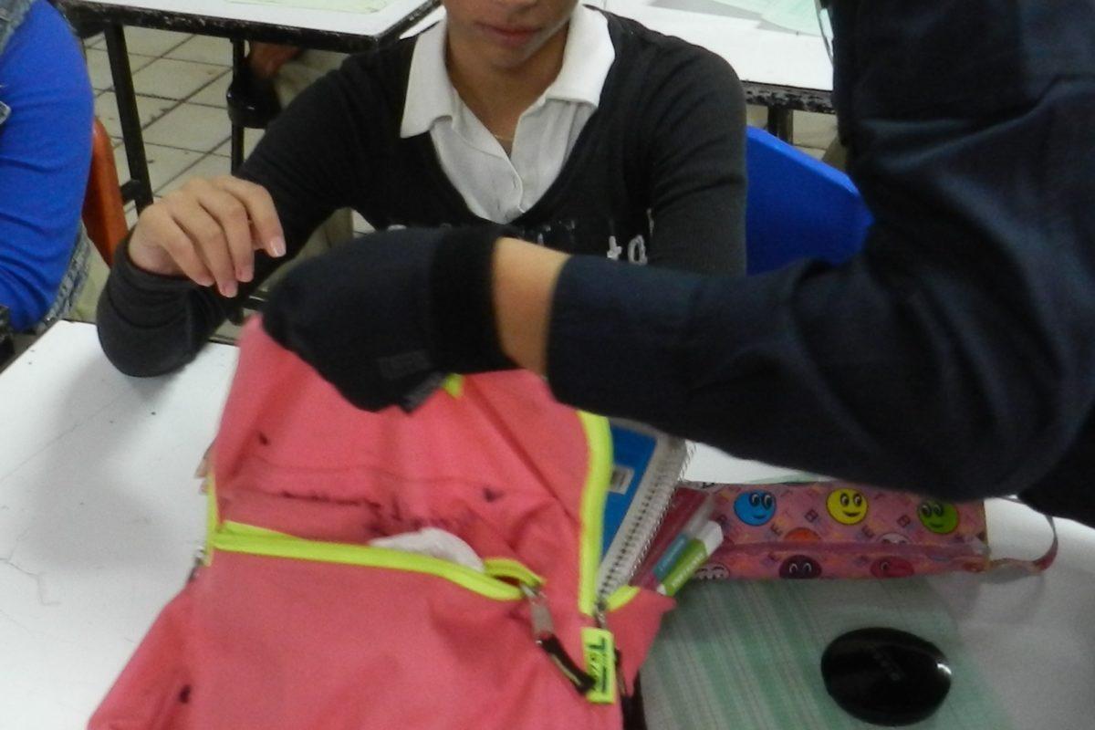 Revisarán mochilas para evitar incidentes