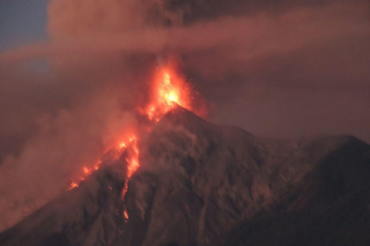 Declaran alerta anaranjada por actividad volcánica