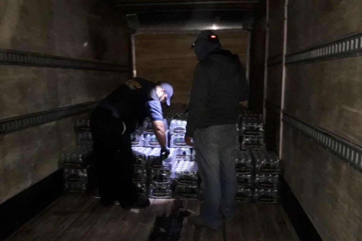 Contrabandistas transportaban Q 150,000 en producto