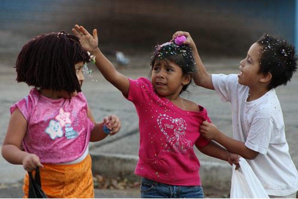 Hoy es martes de carnaval: ¡A quebrar cascarones!