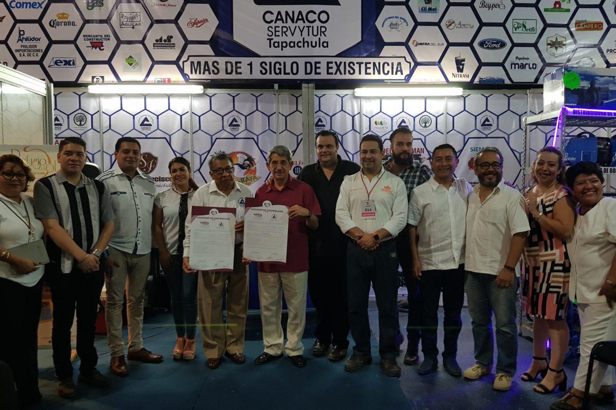 Firman convenio cámaras de comercio de Xela y Tapachula