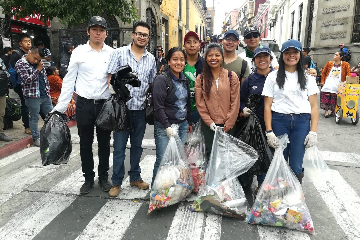 Promueven adecuado manejo de desechos durante Desfile Bufo