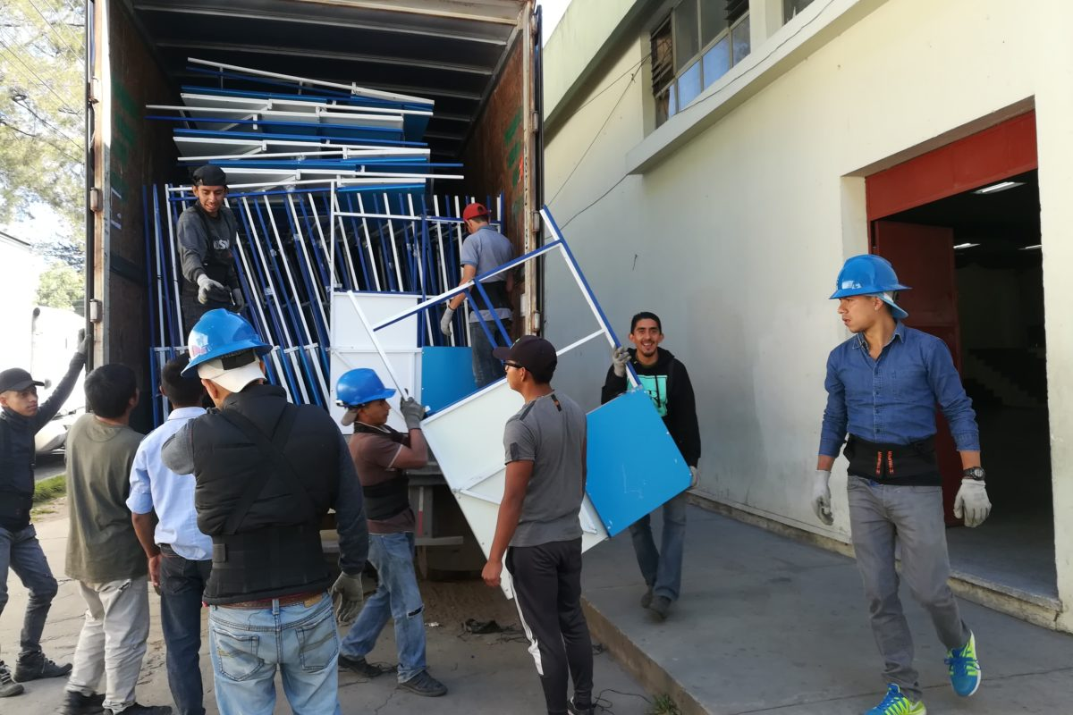 Mobiliario electoral llega a Quetzaltenango