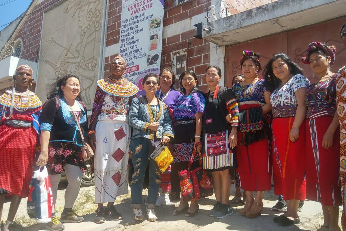 Mujeres de tres continentes se reúnen en Xela