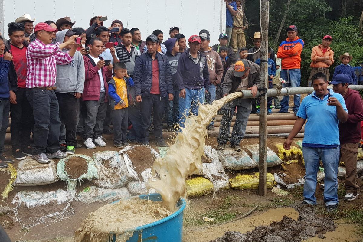 Quinientas familias cumplen sueño de tener agua