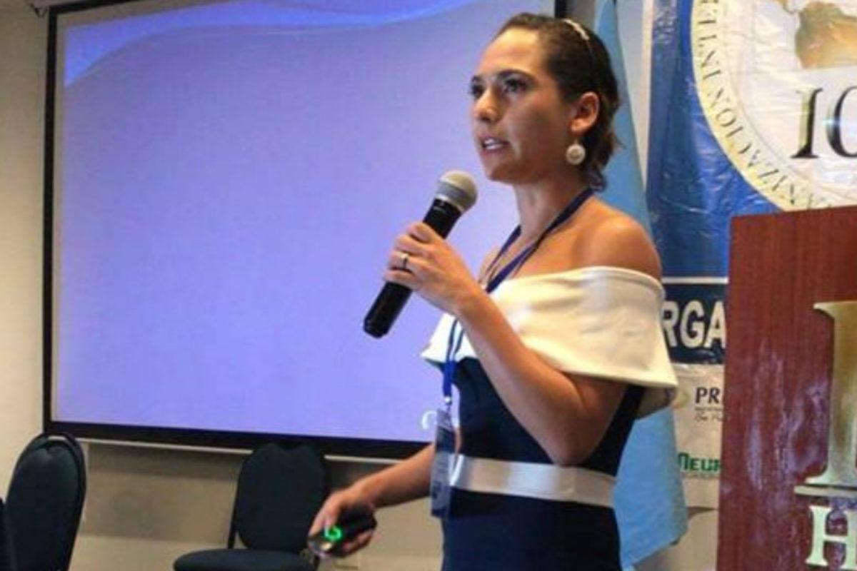 Médico quetzalteca recibe distinción internacional