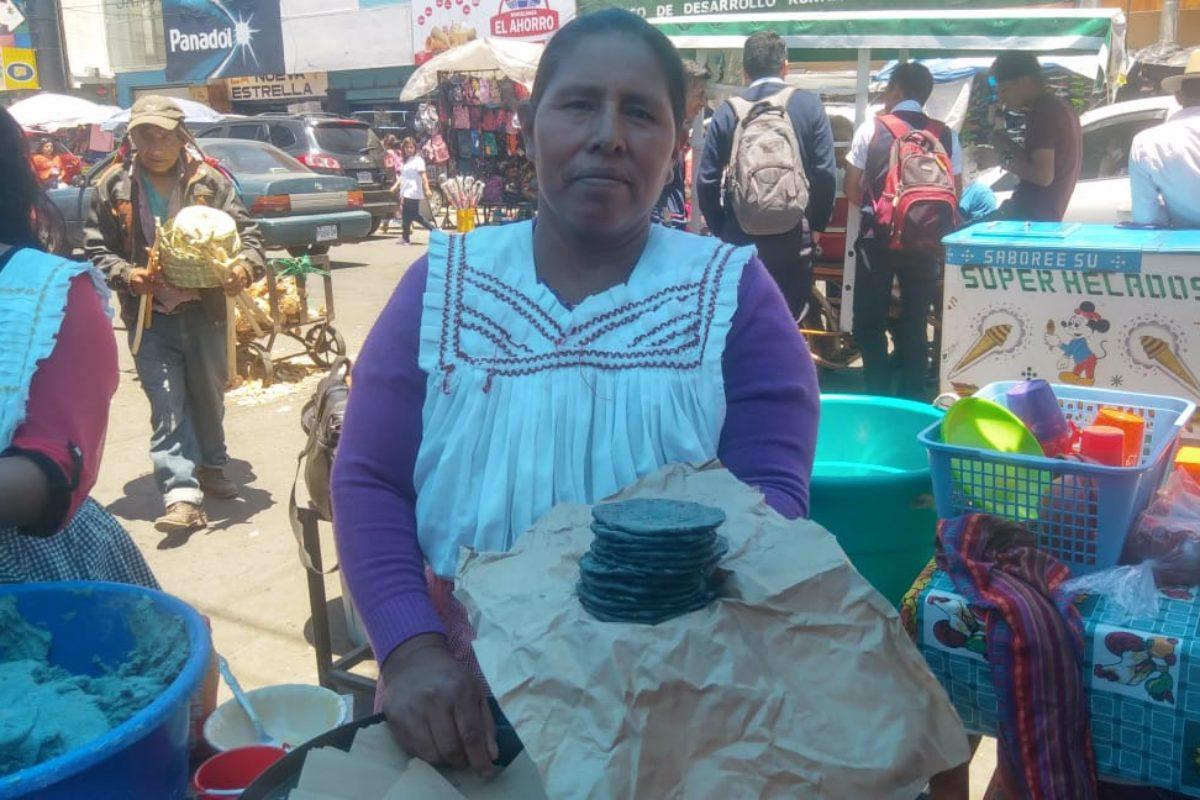 Doña María: la vendedora que dejó atrás el uso de bolsas plásticas y busca que sigan su ejemplo