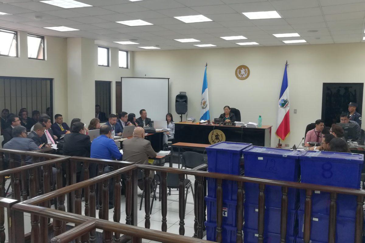 Maratónica audiencia por caso corrupción-muni-Xela