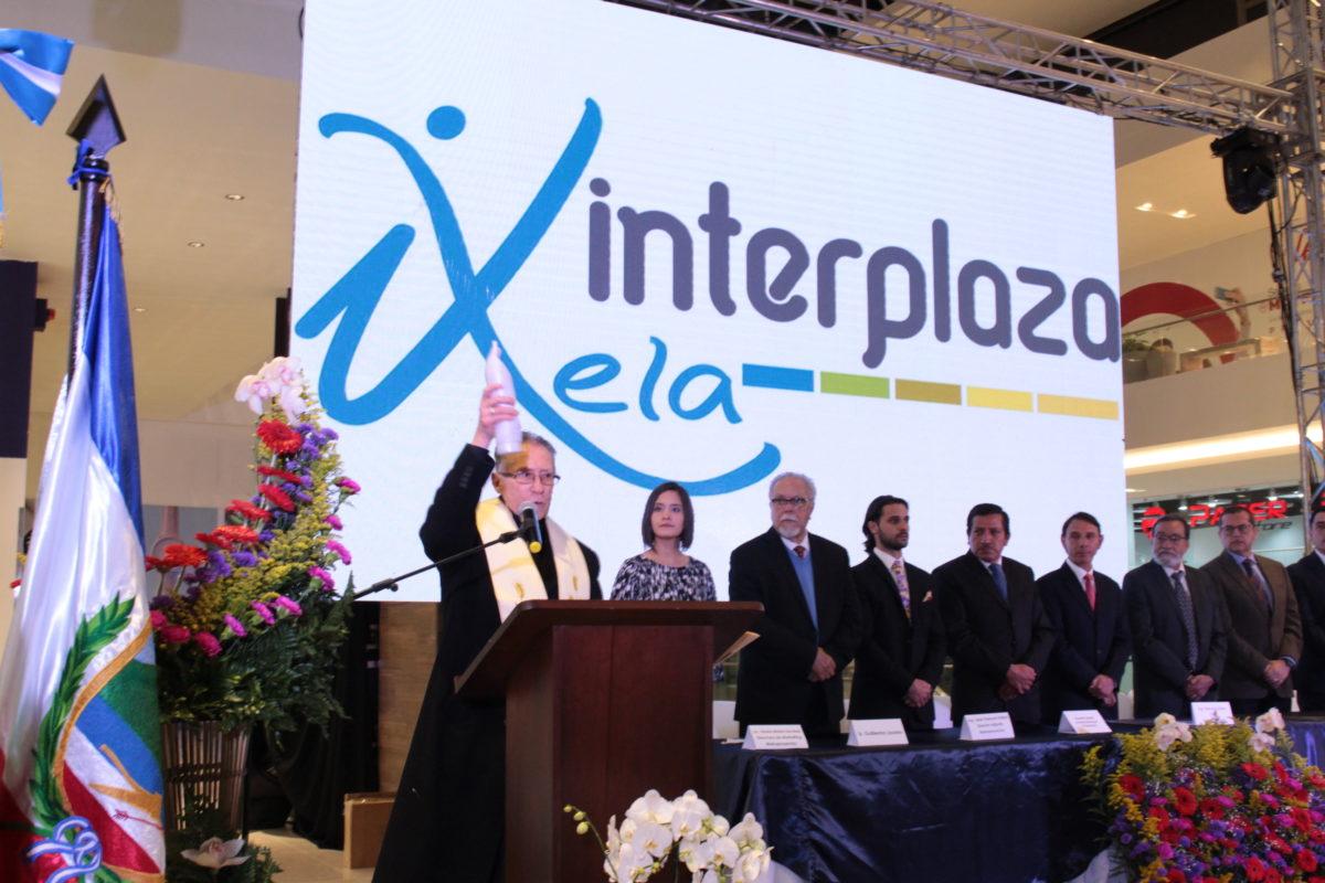 Así se vive la inauguración de Interplaza Xela
