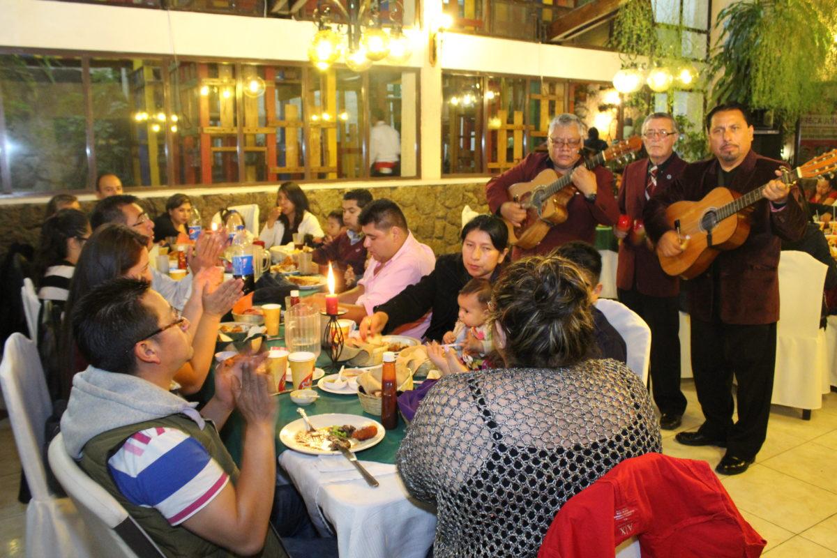 Música en vivo y platillos especiales este 14 de febrero en Albamar