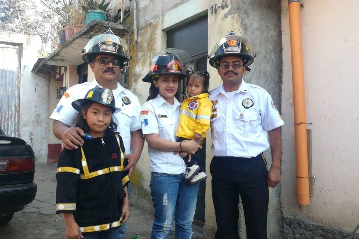Una familia quetzalteca que ama servir al prójimo