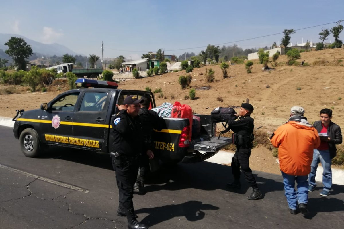 Capturados por transportar droga en camioneta