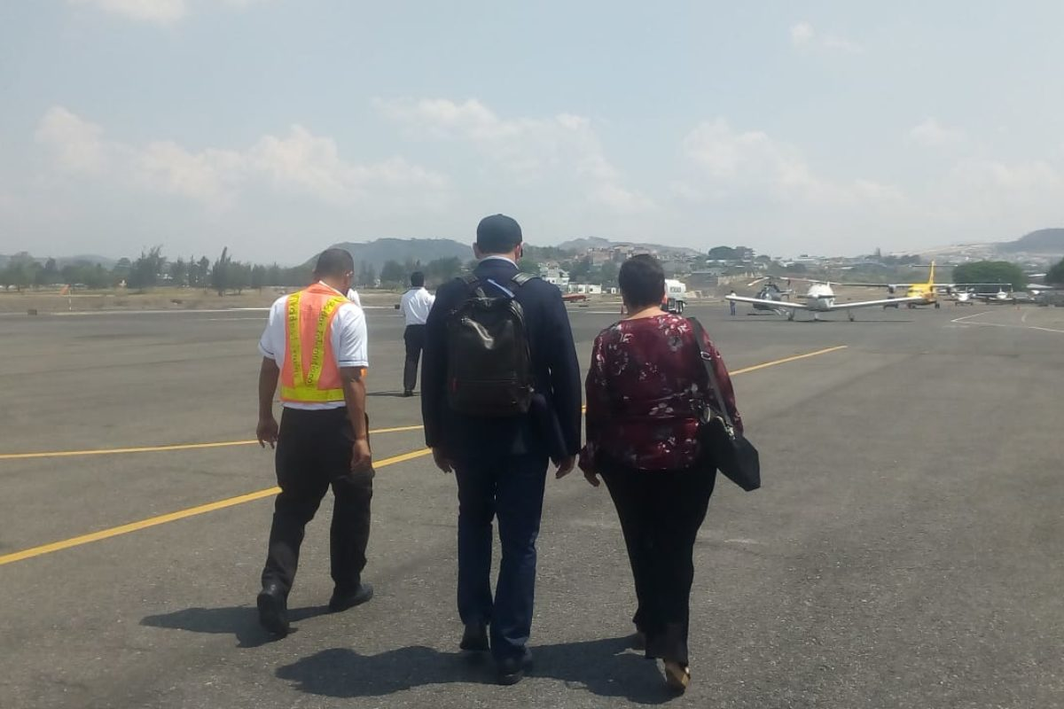 Thelma Aldana regresó a El Salvador tras no poder ingresar a Honduras