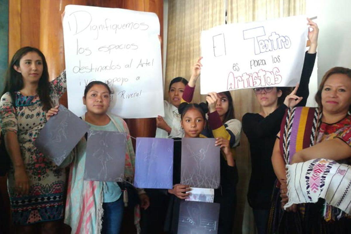 Muestran apoyo a directora del Teatro Municipal