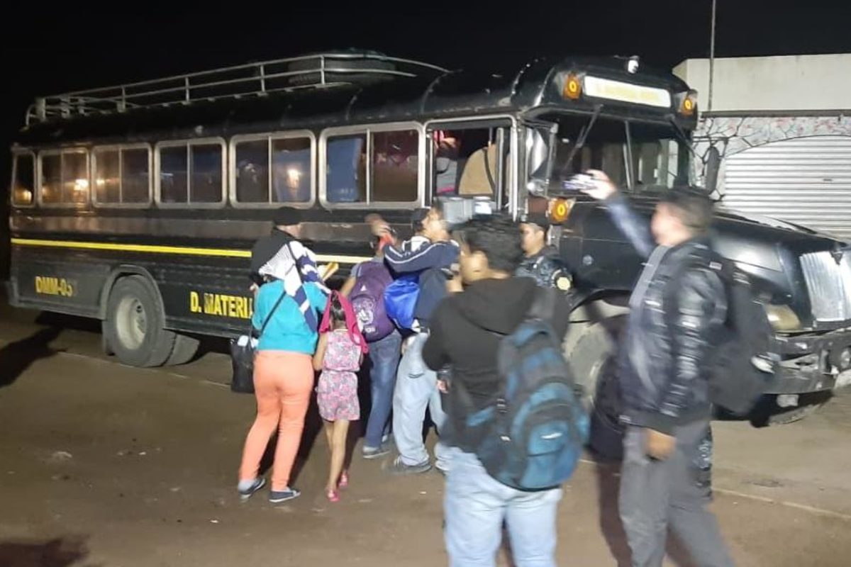 Interceptan a 33 migrantes en situación irregular
