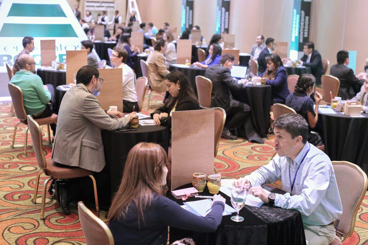 Promueven mentorías empresariales e intercambio de conocimientos