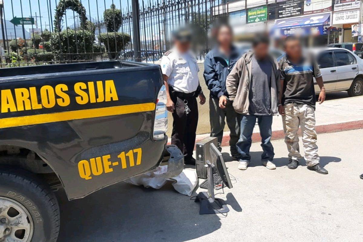 Sujetos saquearon escuela en San Carlos Sija
