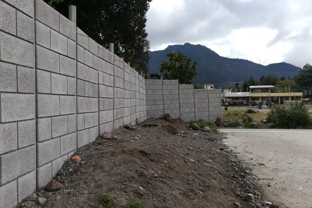 Muro perimetral reforzará seguridad de escuela