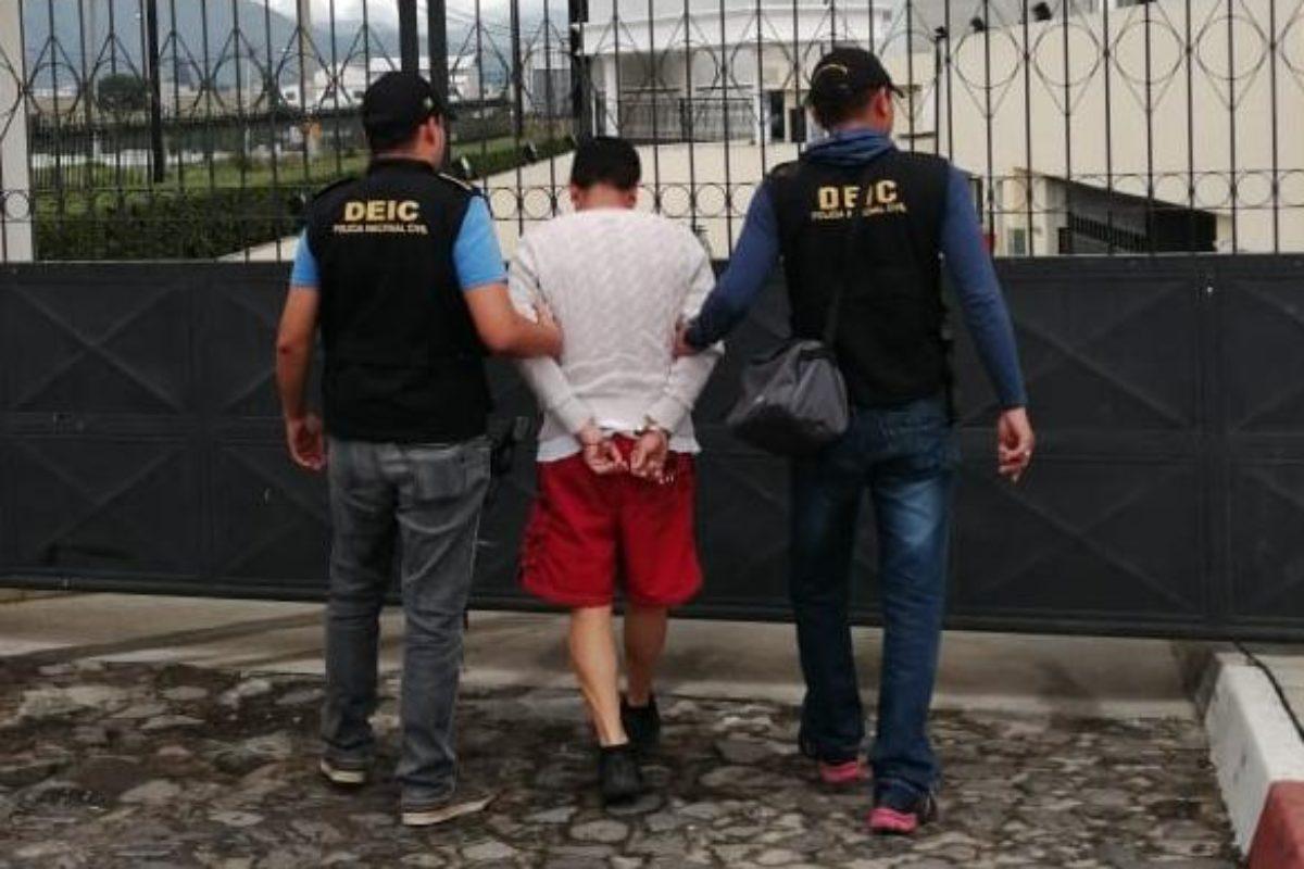 Dos capturados en Xela: uno por abuso sexual y otro por portación ilegal de arma