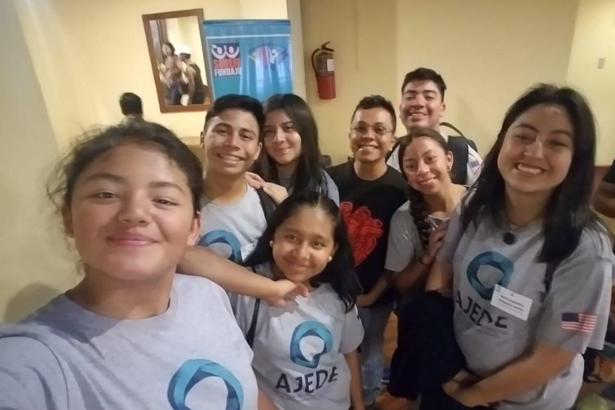 Jóvenes participan en congreso nacional
