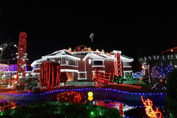 Conoce la Casa iluminada por 300 mil luces navideñas