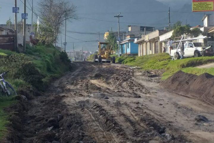 AGRECA brinda apoyo en las carreteras de Llanos del Pinal
