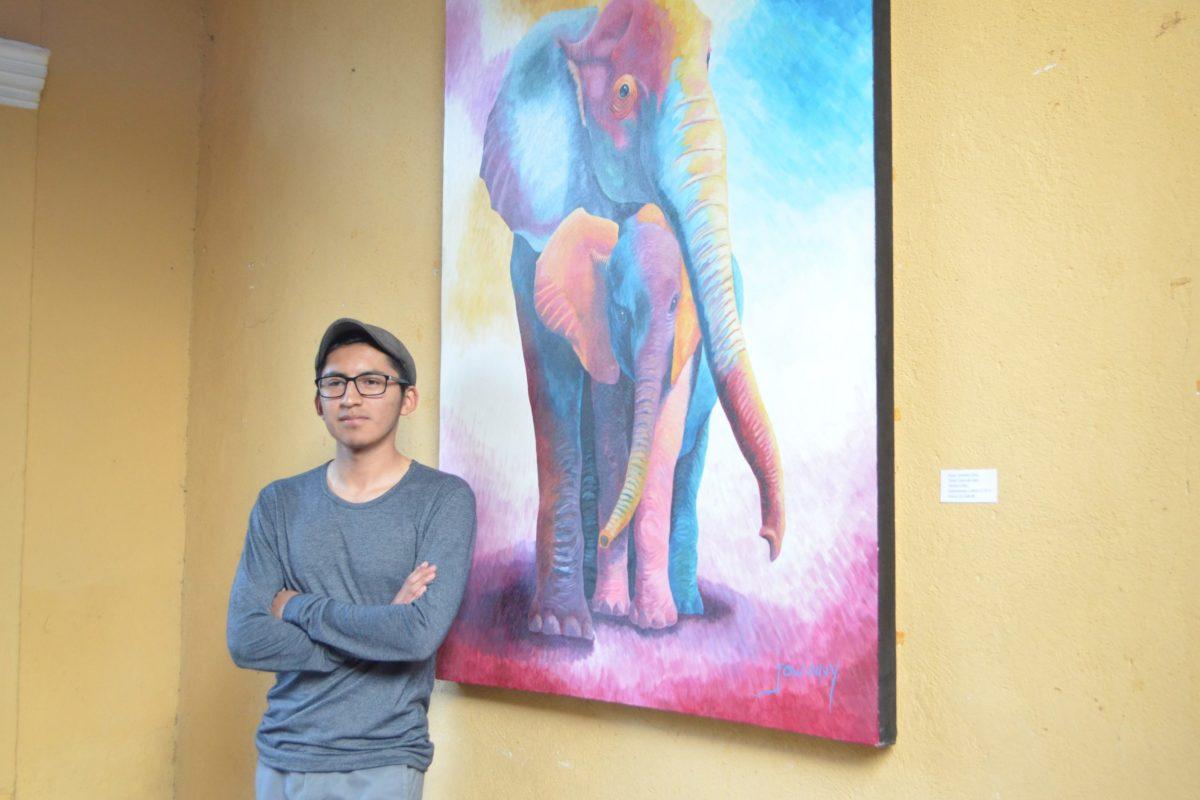 Pinta representaciones de su pasado y presente