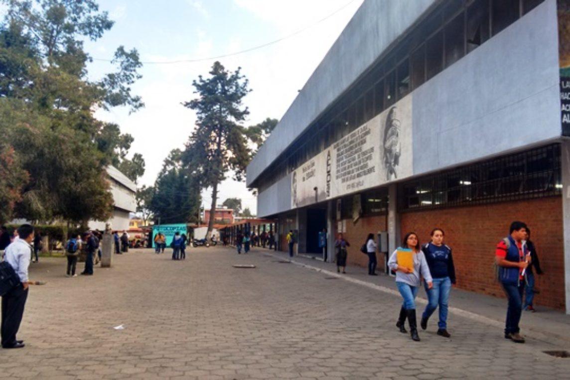 Ocho empresas presentes en Feria de Empleo en el Cunoc