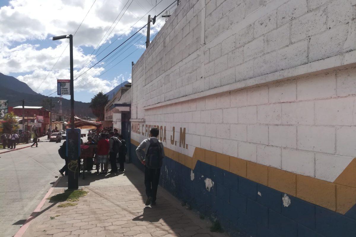 Necesitan maestros y mobiliario en la Escuela Manuel C. Figueroa