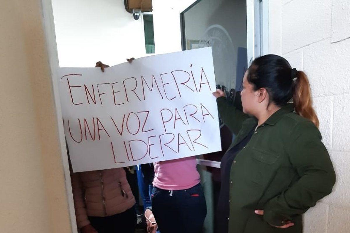 Estudiantes de Enfermería esperan resolución