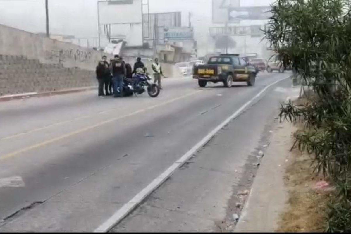 Joven motorista fallece en el paso a desnivel de Salcajá