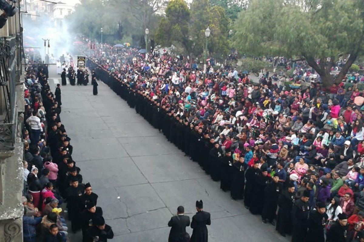 Prohibiciones de los que cargan en procesiones