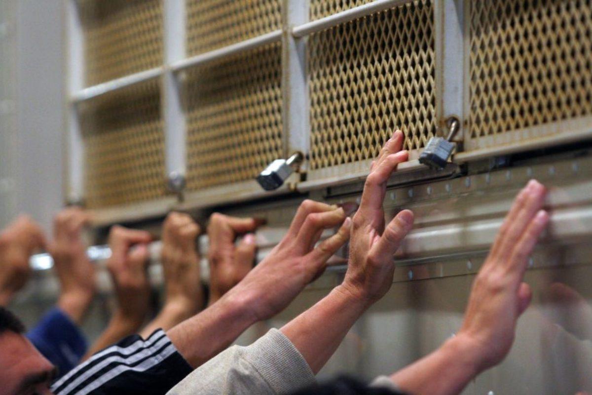Migrantes en riesgo por Covid-19 en cárcel de ICE