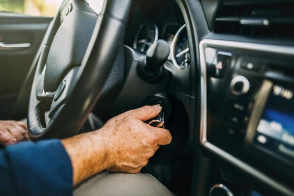 Encienda su vehículo por lo menos una vez a la semana