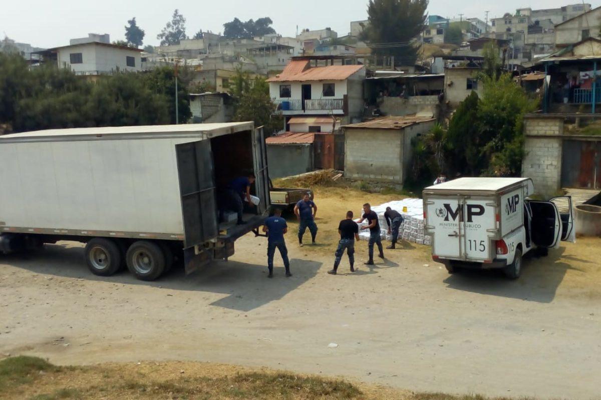 Decomisan contrabando mexicano en San Mateo