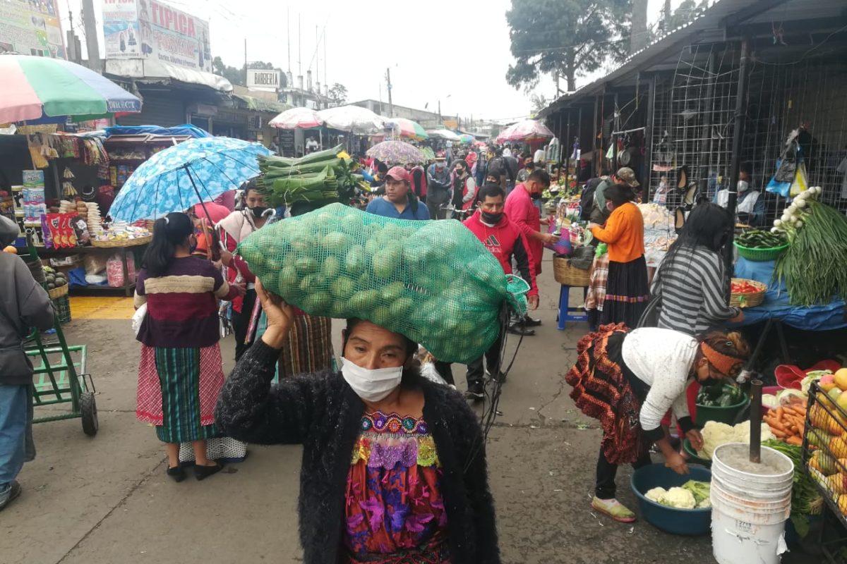 Con 143 casos ayer en el país: hoy este es el panorama en los mercados de Xela