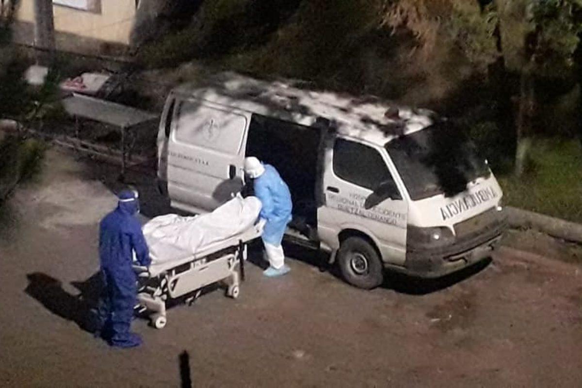 HRO construye una morgue especial para víctimas de Covid-19