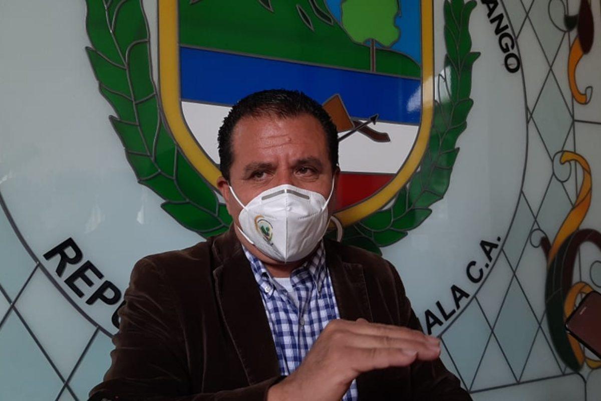 En plena crisis alcalde contrata a asesor por Q25 mil al mes
