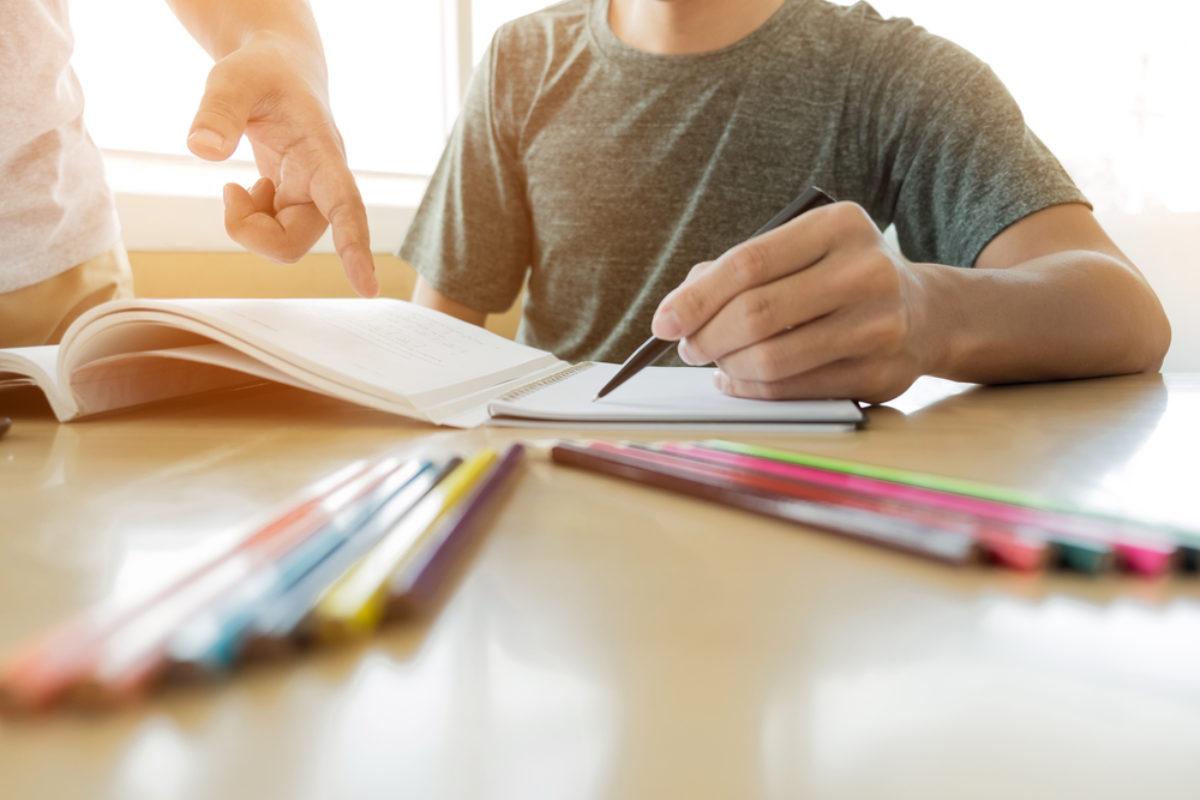 Un 25 por ciento de alumnos no continúan su proceso académico