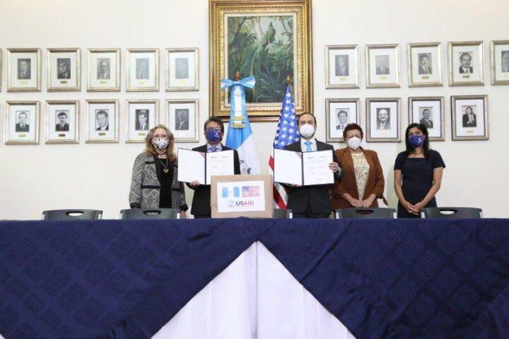 Estados Unidos dona a Guatemala ventiladores de última generación