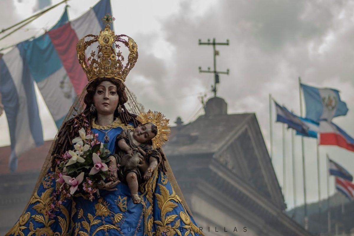 Anuncian traslado de la Virgen del Rosario a puerta cerrada