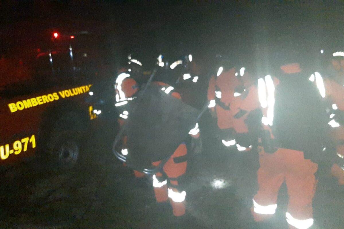 Bomberos rescatan a turistas extraviados en el Santa María