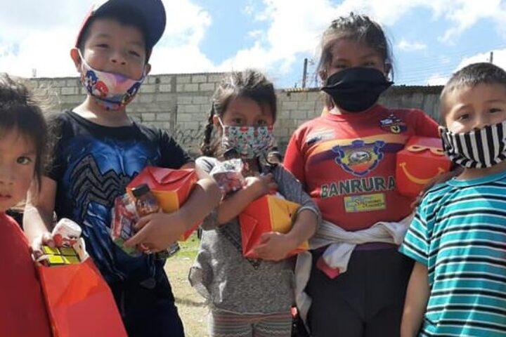 Provocan sonrisas a 275 niños