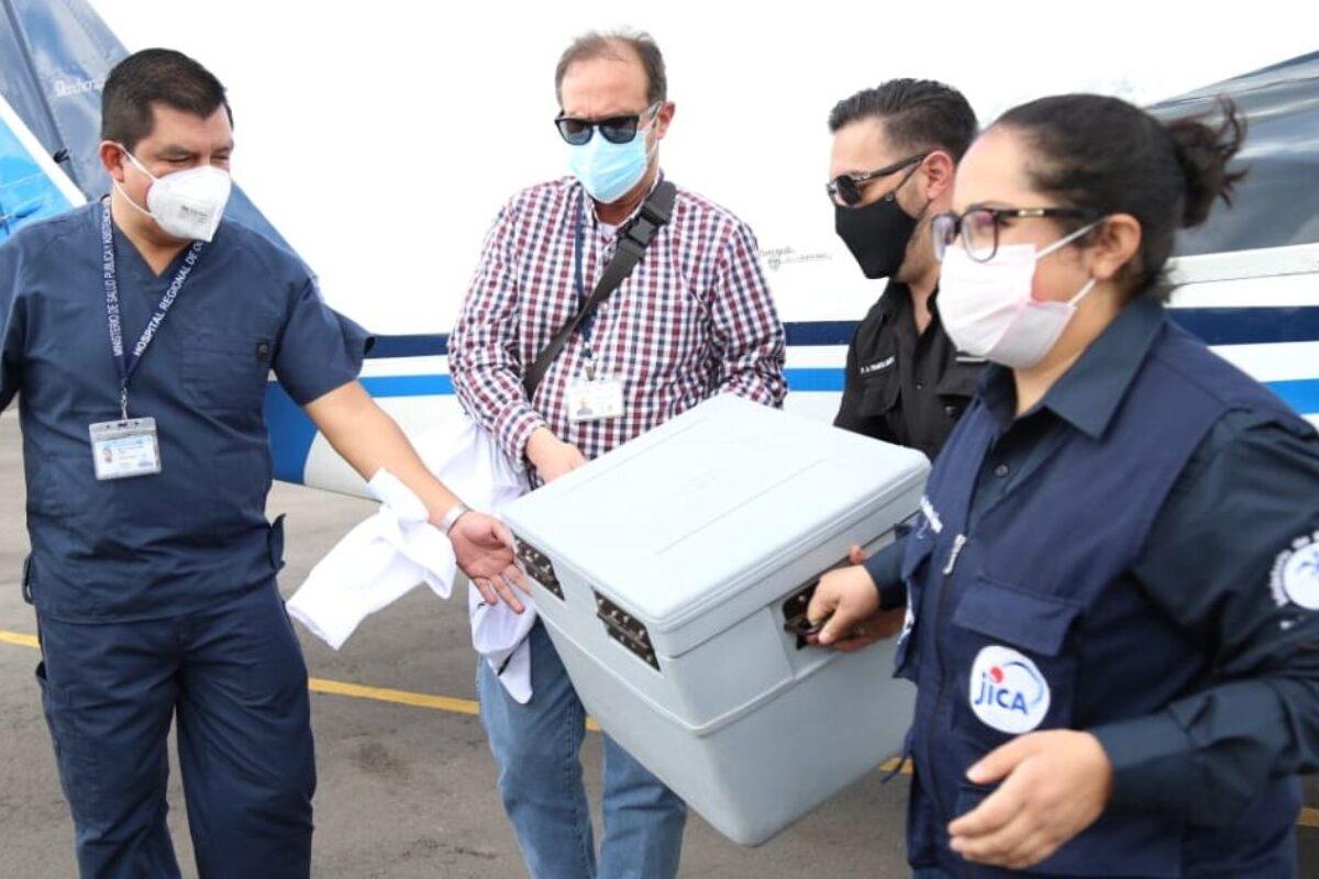 Hoy inicia inmunización a personal de salud en Xela